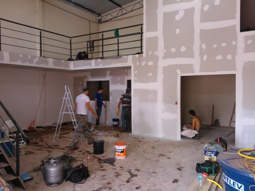 Reforma do barracão que viria dar lugar à Cervejaria em Maringá.